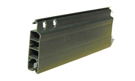 Tapparella in plastica Export Sezione mm 14×45 Peso Kg. 5,0/mq. ca. Optional: movimentazione a motore